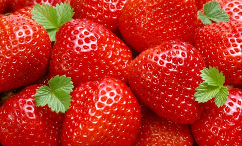 Health benefits for strawberries Strawberries are good for you